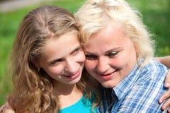 Matriz e filha felizes Imagens de Stock