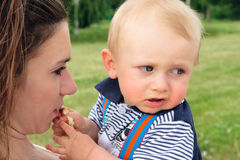 Matriz e filho ao ar livre Imagens de Stock Royalty Free