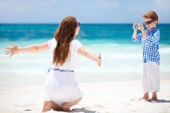 Matriz e filho em férias fotografia de stock royalty free