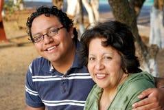 Matriz e filho latino-americanos imagens de stock royalty free