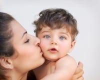 Matriz feliz com bebê imagens de stock royalty free
