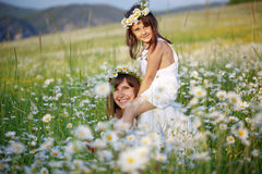 Matriz feliz com sua criança foto de stock royalty free