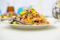 Maträtt av sallad Arkivfoto