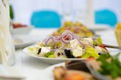 Maträtt av sallad, grönsaker Arkivbild