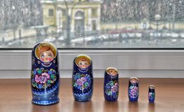 Matryoshka, bambole russe di incastramento Immagini Stock