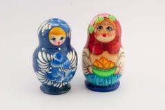Matryoshka a isolé sur le fond blanc Images libres de droits