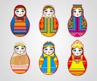 Matryoshka-Puppen in den verschiedenen Ausstattungen stock abbildung