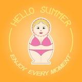 Matryoshka - Russische pop op een oranje achtergrond Hello-de zomer Stock Fotografie