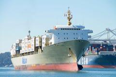 Matson ładunku statek KAUAI wchodzić do port Oakland Obrazy Stock