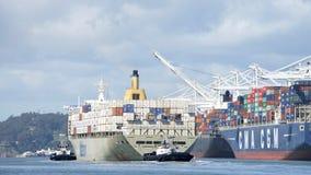 Matson ładunku statek MANOA odjeżdża port Oakland Obraz Stock