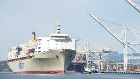 Matson ładunku statek MANOA wchodzić do port Oakland Zdjęcia Royalty Free