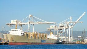 Matson ładunku statku KAUAI ładowanie przy portem Oakland Fotografia Royalty Free