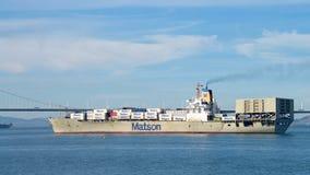 Matsonvrachtschip MATSONIA die de Haven van Oakland vertrekken stock foto's
