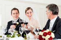 matställedeltagarebröllop Royaltyfri Bild