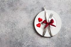 Matställen för inställningen för valentindagtabellen att gifta sig den romantiska mig bröllop Arkivbilder