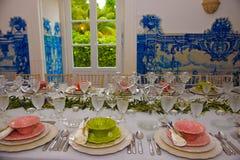 Matställeparti, garnering för banketttabeller, bröllop eller födelsedaghändelse Fotografering för Bildbyråer