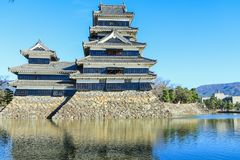 Matsumoto, GIAPPONE - December 13, 2017: Agains del castello di Matsumoto fotografie stock libere da diritti