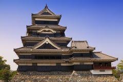 Matsumoto, Giappone, un castello vicino alle alpi giapponesi Immagine Stock Libera da Diritti