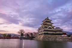 Matsumoto slott Matsumoto-jo, japanska första historiska slottar i easthern Honshu, Matsumoto-shi, Chubu region, Nagano Arkivfoton