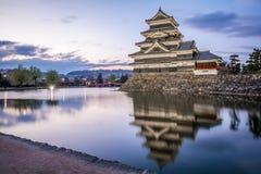 Matsumoto slott Matsumoto-jo, japanska första historiska slottar i easthern Honshu, Matsumoto-shi, Chubu region, Nagano Royaltyfri Foto
