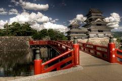 Matsumoto slott med blå himmel, Japan Arkivfoto