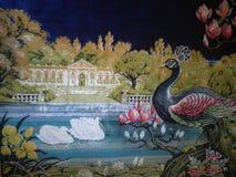 Matta med påfågeln och svanar royaltyfri fotografi