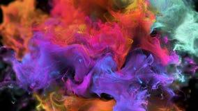 Matte för alfabetisk för partiklar för färgrik orange magentafärgad explosion för rök för färgbristning fluid arkivfilmer