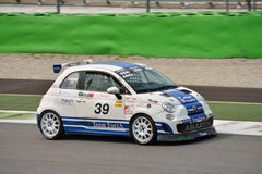 Matteo Arrigosi Abarth Trophy Fiat 2015 500 em Monza Imagem de Stock