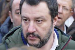 Matteo Salvini-Führer italienischer Lega-Partei und heutzutage Minister von inneren Angelegenheiten treffen Anhänger während der  stockbild