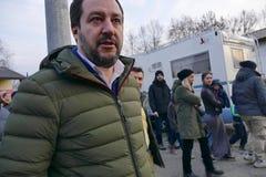 Matteo Salvini-F?hrer italienischer Lega-Partei und heutzutage Minister von inneren Angelegenheiten treffen Anh?nger w?hrend der  lizenzfreie stockfotos