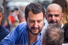 Matteo Salvini, secretário do partido da liga durante a campanha eleitoral para o prefeito de Genebra, Itália imagem de stock royalty free