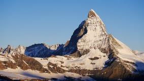 Matterhorn à la lumière du soleil de début de la matinée Photo libre de droits