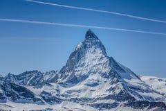 Matterhorn avec le ciel bleu - Zermatt, Suisse photographie stock
