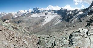 Matterhorn basecamp Hornlihutt, die Schweiz Stockbilder