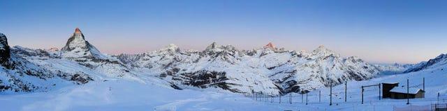 Matterhorn bij zonsopgang stock foto