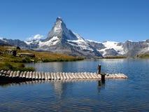 Matterhorn, der in Stellisee 04, die Schweiz sich reflektiert Lizenzfreies Stockbild
