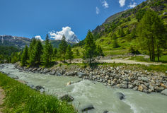 Matterhorn, dessus des alpes suisses photo stock