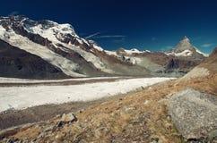 Matterhorn en gletsjer, Zwitserland royalty-vrije stock afbeeldingen