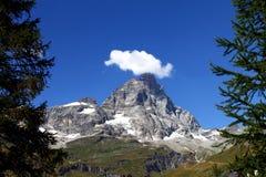 Matterhorn från Breuil Cervinia Arkivfoton