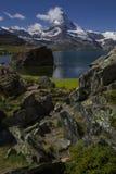 Matterhorn i Stellisee - piękny krajobrazowy teren wokoło Zermatt Szwajcaria (szwajcar, Suisse) zdjęcie stock