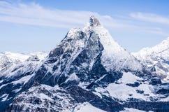 Matterhorn maximum i schweiziska fjällängar arkivbilder