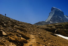 Matterhorn met de mens Stock Afbeeldingen