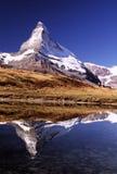 Matterhorn mit Wanderern Stockfotografie