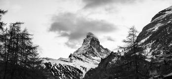 Matterhorn på svartvitt Arkivbild