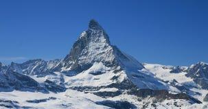 matterhorn panorama- sikt Arkivfoto