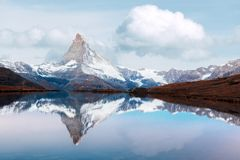 Free Matterhorn Peak With Reflection On Stellisee Lake Royalty Free Stock Photography - 159852147
