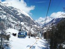 Matterhorn uitdrukkelijke kabelwagens Royalty-vrije Stock Foto's