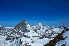 Matterhornen från Matterhorn glaciärparadis Arkivfoto