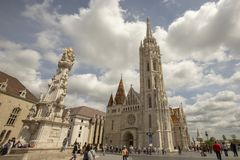 Matthias Church και ιερό άγαλμα Βουδαπέστη Ουγγαρία τριάδας στοκ φωτογραφία με δικαίωμα ελεύθερης χρήσης