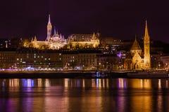 Matthias Church en Visser Bastion in Boedapest Hongarije Stock Afbeelding